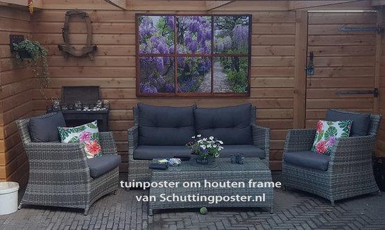 Tuinposter eigen doorkijk van liggend venster met eigen foto blauwe regen