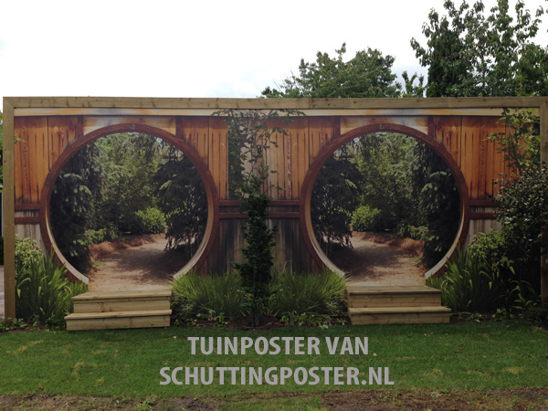 Panorama tuinposter Gat in houten schutting 285×707 cm