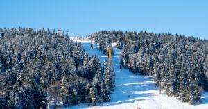 Winterlandschap met skilift