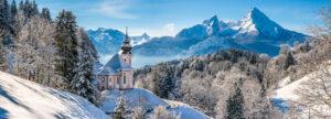 Kerstdorp met kerkje