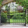 tuinposter doorkijk ijzeren poort