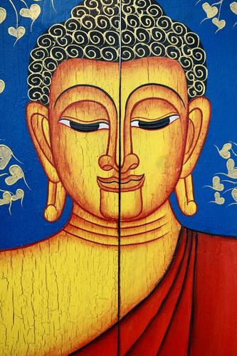 tuinidee boeddha goud en rood