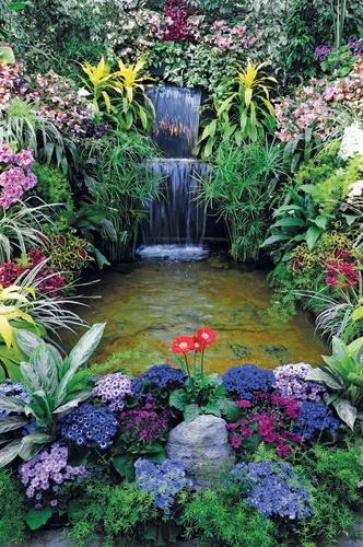 balkonposter waterval met bloemen