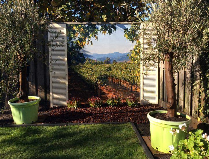 Wijngaard met louvre deurtjes