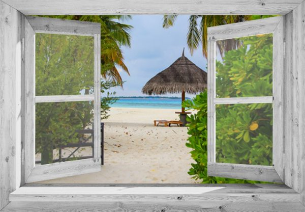 tuinposter 95x130 cm Openslaand wit venster: tropisch strand
