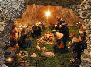 95x130 cm kerststal in grot