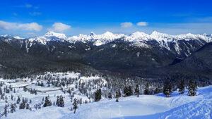 Winterlandschap bergen en sneeuw